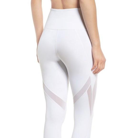 a1ac0eb4799a4 Zella Women Leggings XS In Dreams White High Waist.  M_5b8fbb7ef63eea02d778e1a9